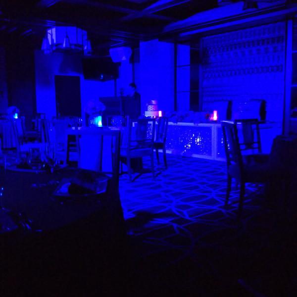 披露宴会場の光の演出の様子です。