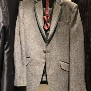新郎の衣装も豊富|509679さんのチャペル・ド・コフレ札幌の写真(662507)