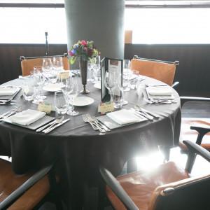食事を楽しんでもらうためにシンプル且つ統一感あるカラーに。|510692さんのXEX ATAGO GREEN HILLS(ゼックス 愛宕 グリーンヒルズ)の写真(736762)