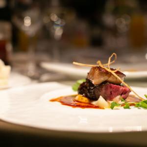 国産牛フィレ肉とフォアグラのロッシーニです。|513618さんの8G Horie RiverTerrace Weddingの写真(682029)