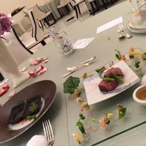 親族席のような位置のテーブルで試食をさせていただきました。|513812さんのVilla de Rosaの写真(684228)