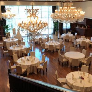 披露宴会場です。階段の上からの見え方です。|515135さんのモルトン迎賓館 仙台の写真(687211)