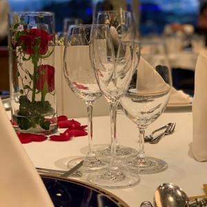 美女と野獣イメージでお願いしたゲストテーブル装花。|515317さんのAMANDAN SAIL~アマンダンセイル~の写真(687517)