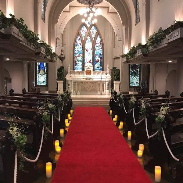 厳かな雰囲気な教会でした。