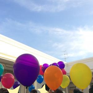 チャペルの天井が開き、バルーンリリースをしました|520788さんの青山迎賓館の写真(707993)