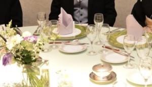 テーブルクロスはグリーン ナフキンはラベンダーにしました|521384さんのThe New Hotel Kumamoto(ニューオータニホテルズ ザ・ニューホテル熊本)の写真(712584)
