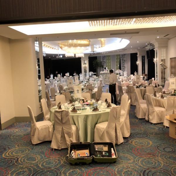 テーブルクラスは2色使い。準備風景