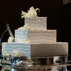 ファーストバイトのウェディングケーキ。全ては食べれません 524114さんのANAクラウンプラザホテル大阪の写真(726025)