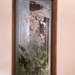 ロビーのガラス装飾 524336さんのMAXI MANIS(マキシマニス)の写真(728215)