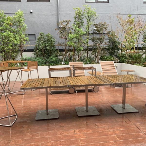 ガーデンスペース。雨の日は残念…