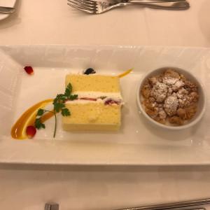 デザートとウエディングケーキ|527572さんのルクリアモーレ表参道の写真(759376)