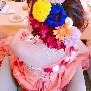 髪飾りはドレスに合わせた生花を使用しました。|528025さんの音羽倶楽部の写真(748285)