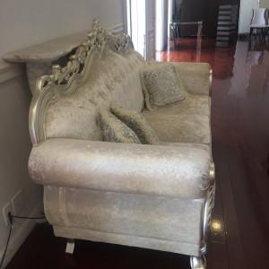披露宴時に新郎新婦が座るソファです。|528719さんのSt. GRAVISS(セントグラビス)の写真(752827)