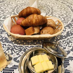 焼きたてで美味しくていくつもの種類もあるパン。 528735さんのコルティーレ茅ヶ崎の写真(754358)