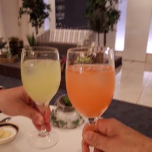 カクテルはイメージや好きな色を伝えると作ってくれます 529240さんの新横浜グレイスホテル/ Roseun Charme ( ロゼアン シャルム )の写真(767076)