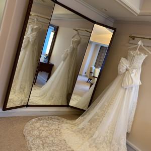 こんなに大きな鏡があるブライズルームは珍しいそうです|530125さんの帝国ホテル 東京の写真(777031)