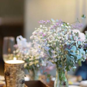 かすみ花など小花メインにしてもらいました|531803さんの星野リゾート 軽井沢ホテルブレストンコートの写真(778618)