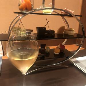 式前に新郎新婦に提供される軽食とシャンパン|532771さんのGRANADA SUITE 福岡(グラナダスィート福岡)の写真(782237)