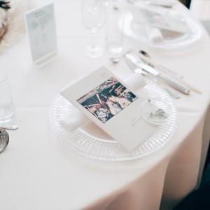 プロフィールブック、席札、テーブルナンバーは全て手作持ち込み|532830さんのシーサイド リビエラの写真(782578)