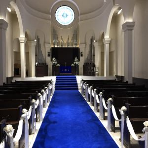 青いバージンロード!ドレスが映えます。|533913さんのアニヴェルセル神戸の写真(791491)