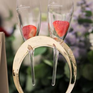 こだわった持ち込みグラスと乾杯酒に入れてもらったイチゴ|534433さんのキャナルサイド ララシャンスの写真(800676)