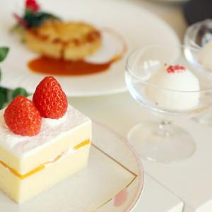 ウエディングケーキとお口直しのシャーベット|535548さんのエール フォルトゥーナの写真(804089)