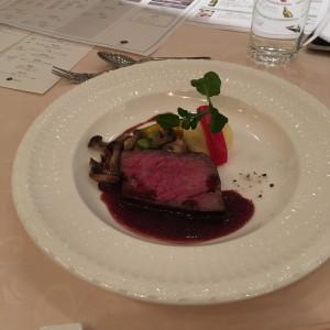 メインのお肉料理です。 543351さんのけやき坂 彩桜邸 シーズンズテラスの写真(858727)