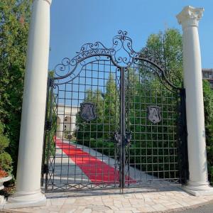 大きな門から入れて、リッチな気分が味わえます。|543494さんのアーセンティア迎賓館(柏)の写真(860711)