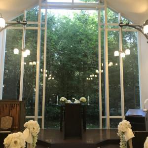 ガラス越しの緑がきれいです。 547677さんのホテル軽井沢エレガンス 「森のチャペル軽井沢礼拝堂」の写真(897271)