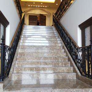 チャペル前の大階段|548971さんの赤坂ル・アンジェ教会の写真(928701)