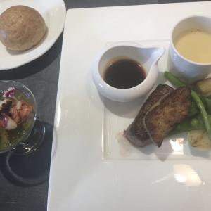 パンはもちもちで、料理も比較的美味しく頂けた。|549020さんのアーヴェリール迎賓館(名古屋)の写真(910959)
