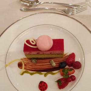 甘酸っぱいケーキ|549300さんのホテルメトロポリタン 〈JR東日本ホテルズ〉の写真(909339)