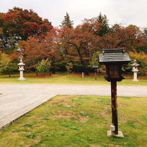 長い参道を歩く時にお互いの家族が一体となるような感覚です|551196さんの長野縣護國神社の写真(935390)
