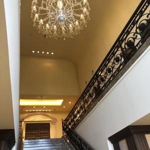 チャペル前の大階段を見上げた時|560195さんの赤坂ル・アンジェ教会の写真(1062466)