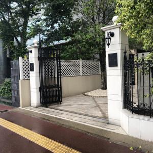 入口の門扉|560195さんの赤坂ル・アンジェ教会の写真(1062473)