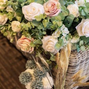 持ち込みした造花で自分でアレンジしました♡|568779さんの8G Horie RiverTerrace Weddingの写真(1085128)