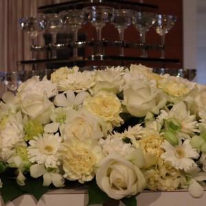 高砂のお花とシャンパンタワー|572404さんの盛岡グランドホテルの写真(1114602)