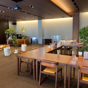 普段はカフェとして使われているラフな会場|588019さんのSHOHAKUEN HOTEL 松柏園ホテルの写真(1224568)