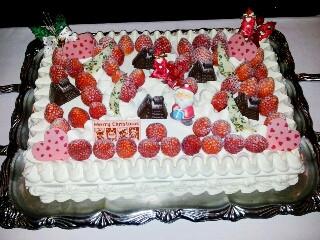 ケーキの盛り付けもかわいらしく素敵です。