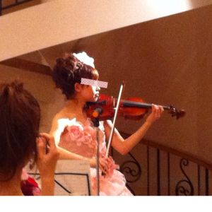新婦からのバイオリン演奏のプレゼント